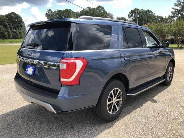 2018 Blue Metallic Ford Expedition XLT SUV Automatic EcoBoost 3.5L V6 GTDi DOHC 24V Twin Turbocharged Engine 4 Door RWD