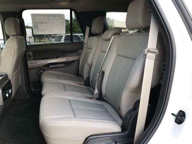 2018 White Metallic Ford Expedition XLT EcoBoost 3.5L V6 GTDi DOHC 24V Twin Turbocharged Engine SUV 4 Door RWD Automatic