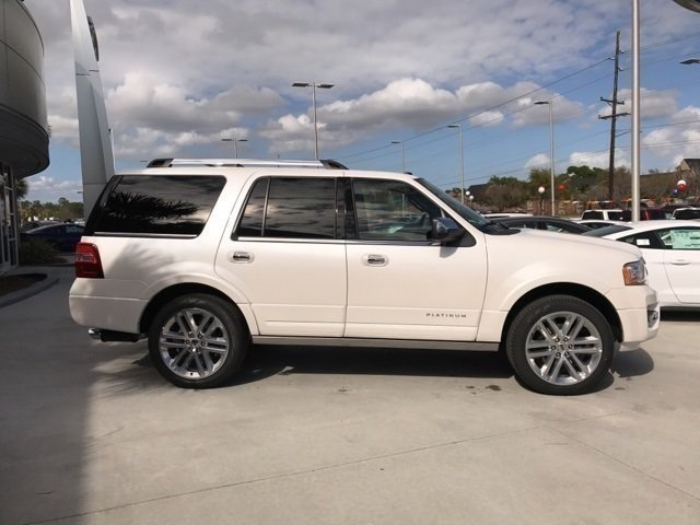 2017 White Platinum Metallic Tri-Coat Ford Expedition Platinum SUV EcoBoost 3.5L V6 GTDi DOHC 24V Twin Turbocharged Engine Automatic 4 Door