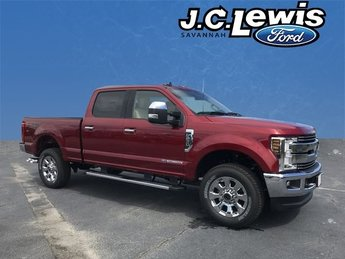 2019 Ford Super Duty F-250 SRW Lariat 4X4 4 Door Power Stroke 6.7L V8 DI 32V OHV Turbodiesel Engine Automatic