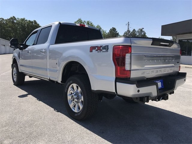 2018 Ford Super Duty F-250 SRW Platinum 4X4 Power Stroke 6.7L V8 DI 32V OHV Turbodiesel Engine Automatic Truck