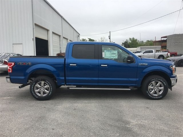 2018 Lightning Blue Ford F-150 XLT 5.0L V8 Ti-VCT Engine Automatic Truck 4 Door 4X4