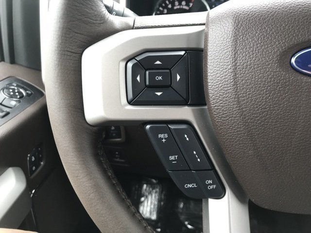 2018 White Platinum Metallic Tri-Coat Ford F-150 King Ranch 4 Door EcoBoost 3.5L V6 GTDi DOHC 24V Twin Turbocharged Engine 4X4 Truck Automatic