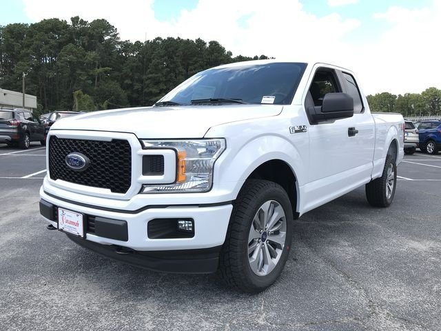 2018 Oxford White Ford F-150 XL 4 Door 5.0L V8 Ti-VCT Engine Automatic