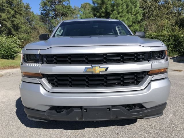 2017 Chevy Silverado 1500 Custom Automatic 4X4 Truck 4 Door V8 Engine