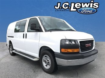 2017 Summit White GMC Savana 2500 Work Van Automatic RWD Vortec 4.8L V8 SFI Engine 3 Door Van