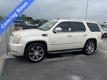 2010 Cadillac Escalade Luxury 4 Door SUV Automatic RWD Vortec 6.2L V8 SFI Engine