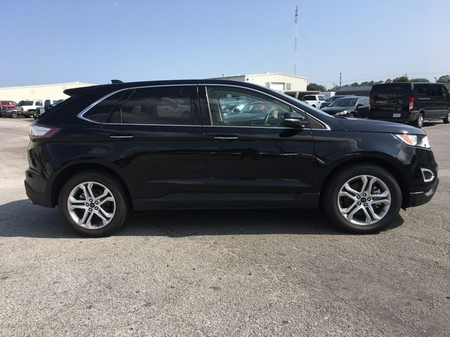 2018 Shadow Black Ford Edge Titanium FWD 4 Door SUV Automatic 3.5L V6 Ti-VCT Engine