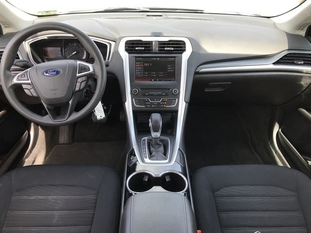 2016 Magnetic Ford Fusion SE Sedan 4 Door Automatic FWD 2.5L iVCT Engine