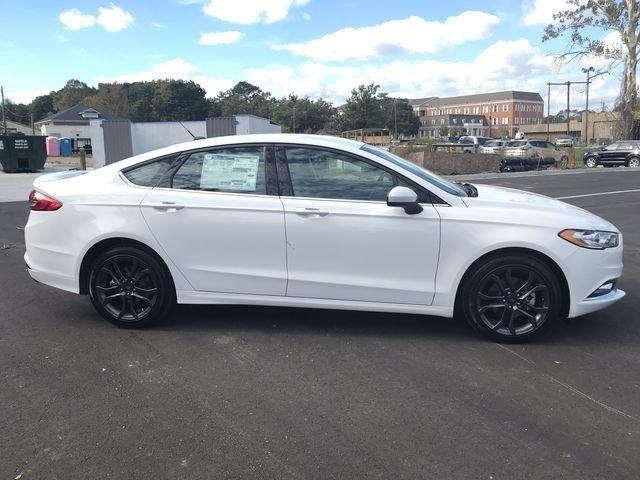 2018 Oxford White Ford Fusion SE FWD 4 Door I4 Engine Automatic Sedan