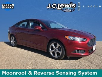 2014 Ruby Red Metallic Tinted Clearcoat Ford Fusion SE Automatic 4 Door Sedan FWD