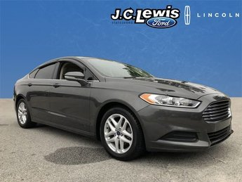 2016 Magnetic Ford Fusion SE Sedan 2.5L iVCT Engine Automatic 4 Door FWD