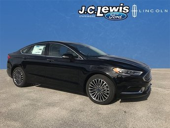 2018 Shadow Black Ford Fusion SE EcoBoost 2.0L I4 GTDi DOHC Turbocharged VCT Engine 4 Door FWD Sedan
