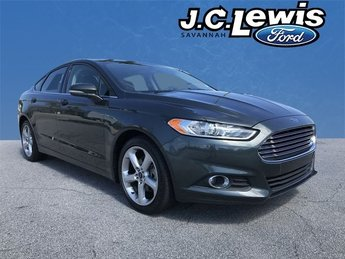2016 Ford Fusion SE EcoBoost 2.0L I4 GTDi DOHC Turbocharged VCT Engine FWD Sedan