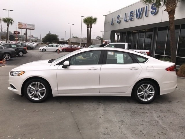 2018 White Platinum Metallic Tri-Coat Ford Fusion SE FWD Automatic EcoBoost 1.5L I4 GTDi DOHC Turbocharged VCT Engine