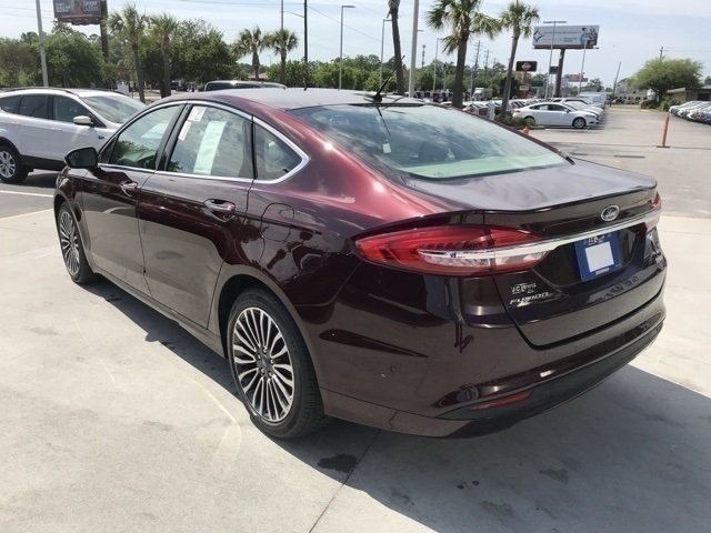 2018 Burgundy Velvet Metallic Tinted Clearcoat Ford Fusion SE Sedan FWD Automatic EcoBoost 1.5L I4 GTDi DOHC Turbocharged VCT Engine
