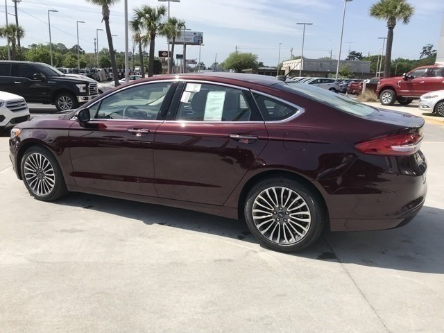 2018 Burgundy Velvet Metallic Tinted Clearcoat Ford Fusion SE FWD Sedan EcoBoost 1.5L I4 GTDi DOHC Turbocharged VCT Engine