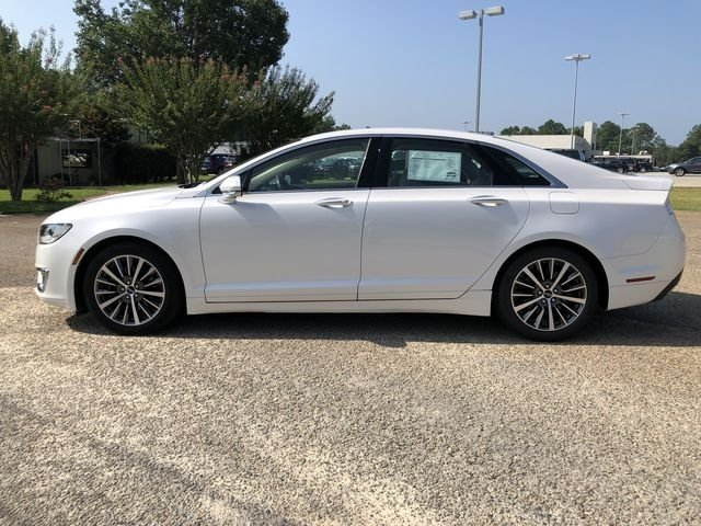 2017 White Platinum Metallic Tri-Coat Lincoln MKZ Premiere Automatic 2.0L GTDi Engine FWD