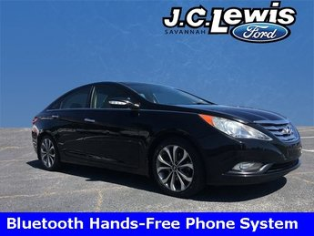 2013 Midnight Black Hyundai Sonata Limited 2.0T FWD 2.0L 4-Cylinder DGI Turbocharged Engine 4 Door Automatic Sedan
