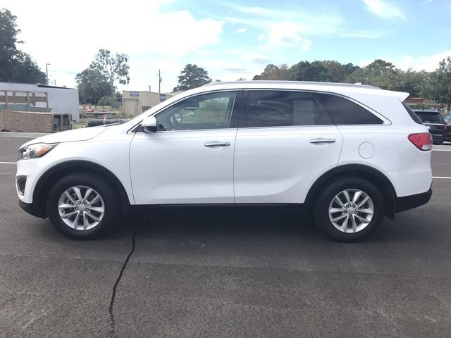 2016 Snow White Pearl Kia Sorento LX 4 Door Automatic FWD 2.4L DOHC Engine