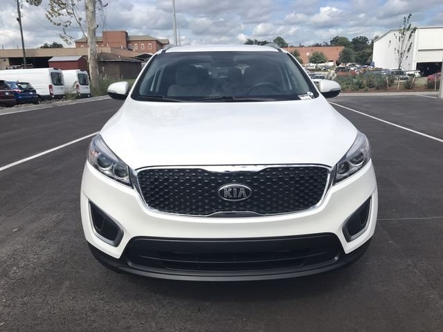 2016 Snow White Pearl Kia Sorento LX 4 Door FWD Automatic 2.4L DOHC Engine SUV