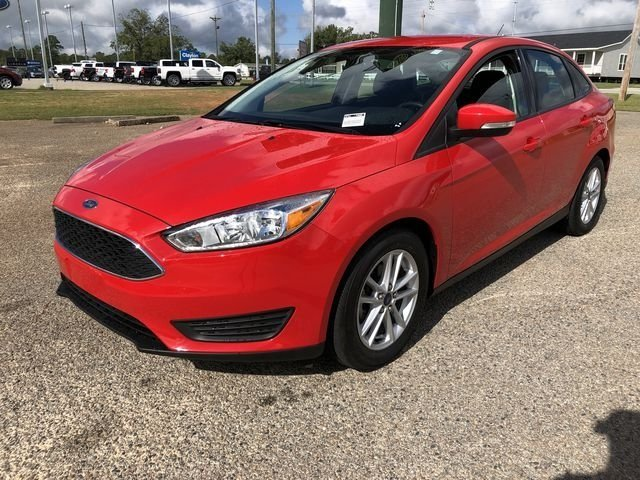 2015 Race Red Ford Focus SE 2.0L 4-Cylinder DGI DOHC Engine FWD Sedan Automatic 4 Door