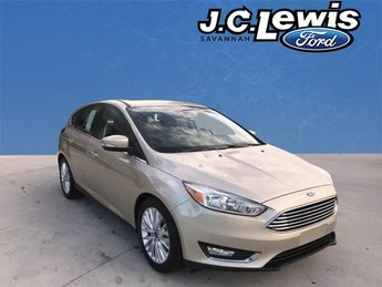 2017 White Gold Metallic Ford Focus Titanium FWD 4 Door I4 Engine Hatchback Automatic
