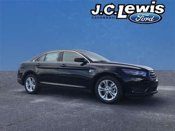 2018 Shadow Black Ford Taurus SE Sedan 4 Door 3.5L 6-Cylinder SMPI DOHC Engine FWD Automatic