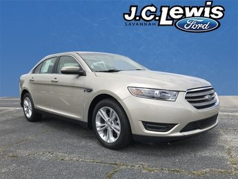 2018 White Gold Metallic Ford Taurus SEL 3.5L V6 Ti-VCT Engine Automatic FWD