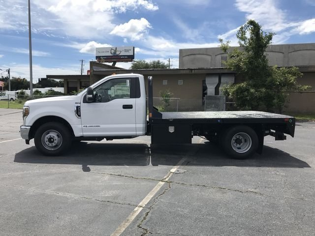 2018 Oxford White Ford Super Duty F-350 DRW 2 Door 6.7L V8 Engine Truck