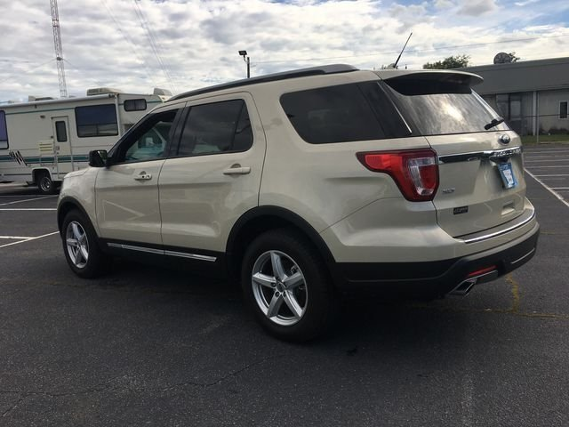 2018 Platinum Dune Metallic Tri-Coat Ford Explorer XLT Automatic SUV 4 Door