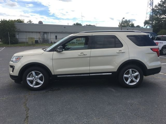 2018 Platinum Dune Metallic Tri-Coat Ford Explorer XLT FWD Automatic 4 Door 3.5L V6 Ti-VCT Engine