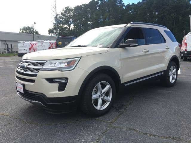 2018 Platinum Dune Metallic Tri-Coat Ford Explorer XLT FWD 3.5L V6 Ti-VCT Engine SUV Automatic