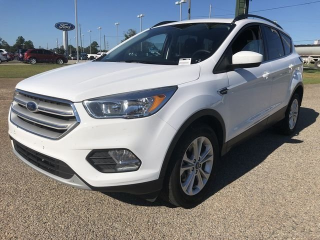 2018 Oxford White Ford Escape SE EcoBoost 1.5L I4 GTDi DOHC Turbocharged VCT Engine Automatic SUV FWD