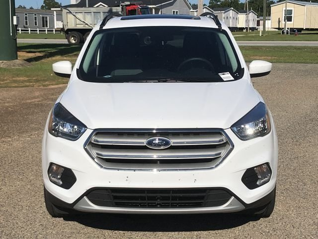 2018 Oxford White Ford Escape SE EcoBoost 1.5L I4 GTDi DOHC Turbocharged VCT Engine 4 Door SUV