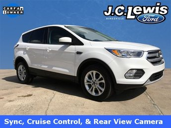 2017 Oxford White Ford Escape SE EcoBoost 1.5L I4 GTDi DOHC Turbocharged VCT Engine 4 Door SUV