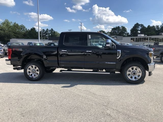 2019 Ford Super Duty F-250 SRW Lariat Automatic 4X4 4 Door Power Stroke 6.7L V8 DI 32V OHV Turbodiesel Engine