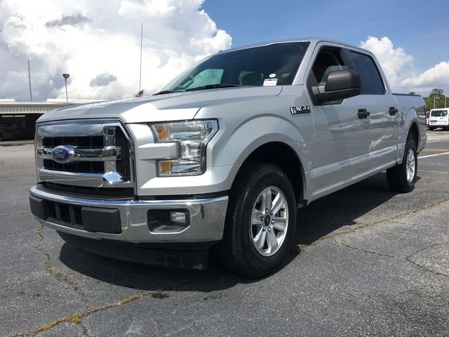 2017 Ingot Silver Metallic Ford F-150 XLT Automatic EcoBoost 3.5L V6 GTDi DOHC 24V Twin Turbocharged Engine RWD 4 Door Truck