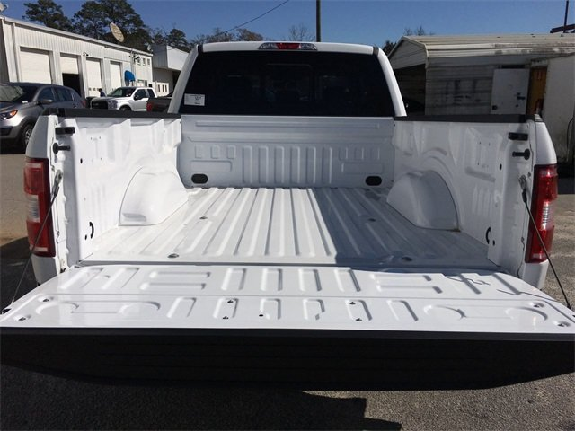 2018 Oxford White Ford F-150 XLT 4 Door Truck 5.0L V8 Ti-VCT Engine