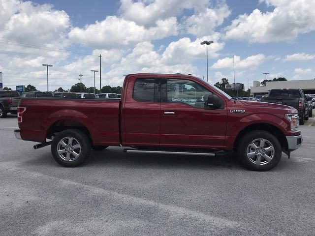 2018 Ruby Red Metallic Tinted Clearcoat Ford F-150 XLT Automatic 4 Door RWD Truck 5.0L V8 Ti-VCT Engine