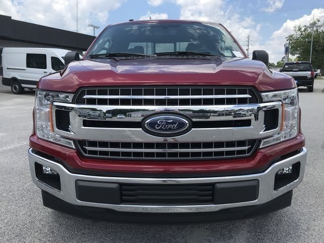 2018 Ruby Red Metallic Tinted Clearcoat Ford F-150 XLT RWD 5.0L V8 Ti-VCT Engine 4 Door