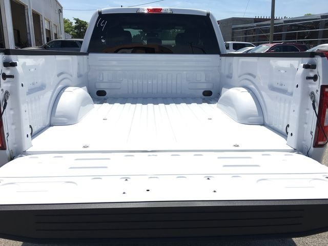2018 Oxford White Ford F-150 XLT Automatic 5.0L V8 Ti-VCT Engine Truck