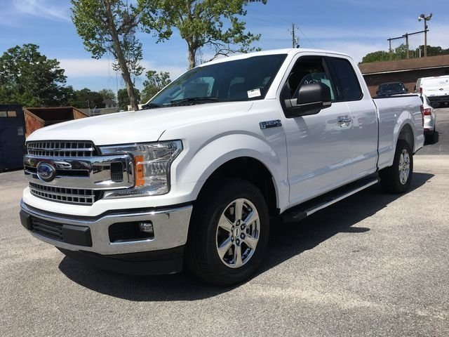 2018 Oxford White Ford F-150 XLT Automatic Truck 5.0L V8 Ti-VCT Engine 4 Door