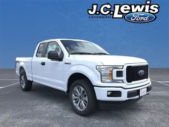 2018 Oxford White Ford F-150 XL 4 Door 4X4 Automatic 5.0L V8 Ti-VCT Engine Truck
