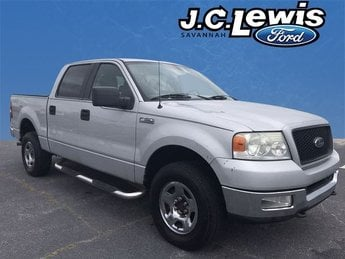 2005 Silver Clearcoat Metallic Ford F-150 XLT 4X4 5.4L V8 EFI 24V Engine Automatic 4 Door Truck