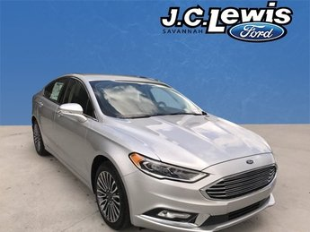 2017 Ingot Silver Ford Fusion SE 4 Door Sedan FWD Automatic EcoBoost 2.0L I4 GTDi DOHC Turbocharged VCT Engine