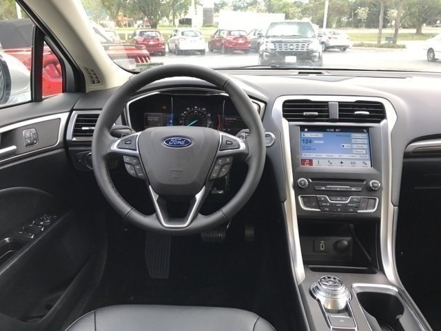 2017 Ingot Silver Ford Fusion SE Automatic EcoBoost 2.0L I4 GTDi DOHC Turbocharged VCT Engine 4 Door Sedan