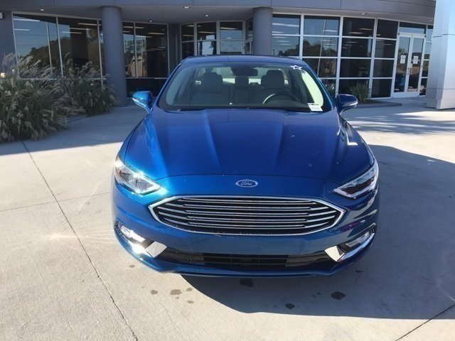2017 Lightning Blue Ford Fusion SE 4 Door Sedan Automatic FWD