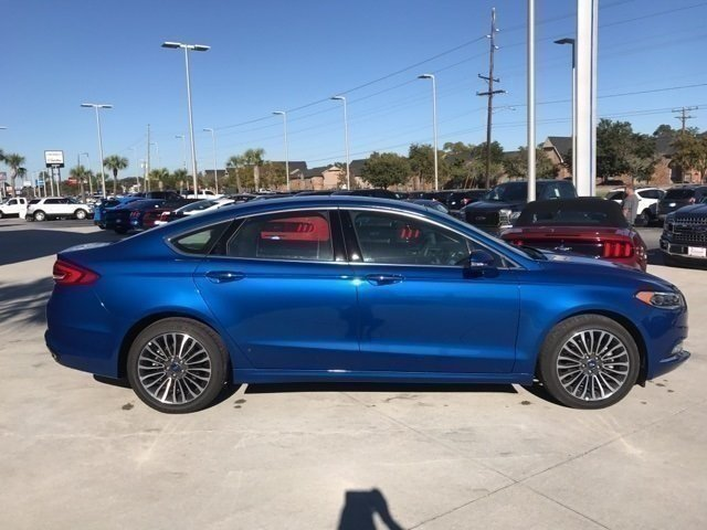 2017 Lightning Blue Ford Fusion SE 4 Door Sedan EcoBoost 2.0L I4 GTDi DOHC Turbocharged VCT Engine FWD