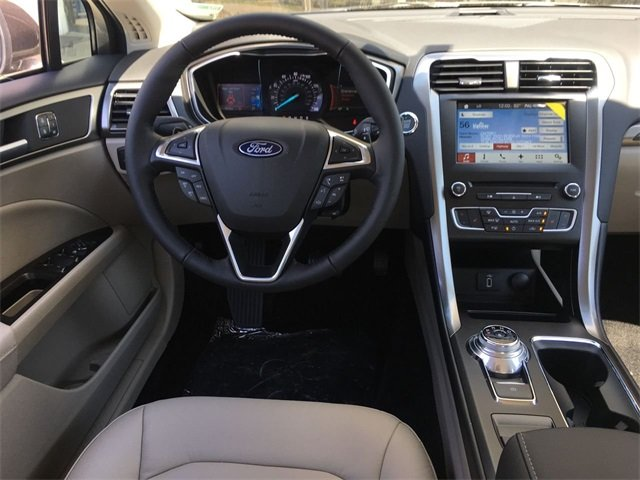 2018 Ford Fusion SE 4 Door FWD Sedan Automatic